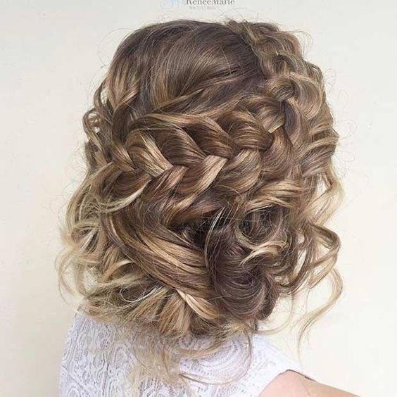 10 Luscious Prom Hairstyles For Short Hair To Make Your Night Memorable