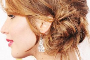 15 Glamorous Messy Side Bun Hairstyles & Haircuts For Girls