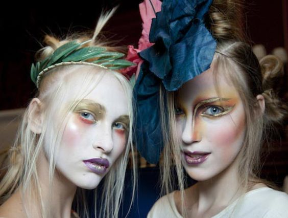 7 Crazy Halloween Hairstyles To Complete Your Killer Costume!!