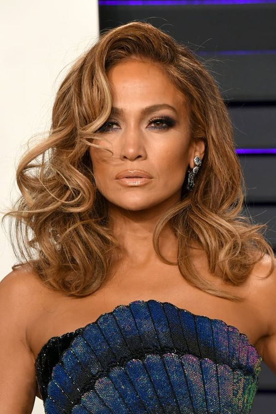 13 Popular Jennifer Lopez Hairstyles That rocked The Fashion World (11)
