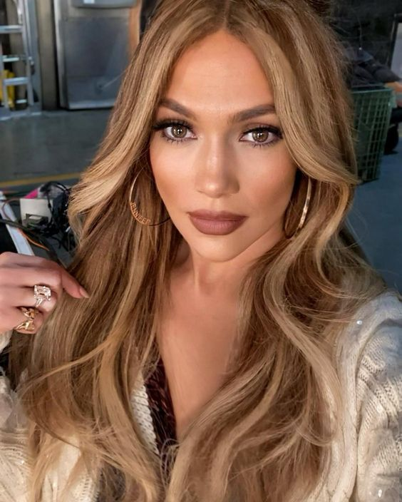 5 Sexy Hairstyles With How To Tutorial For A Hot Glowy Appearance (21)