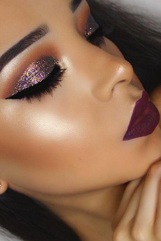 A Complete Tutorial for a Glam Beauty Look for the New Year