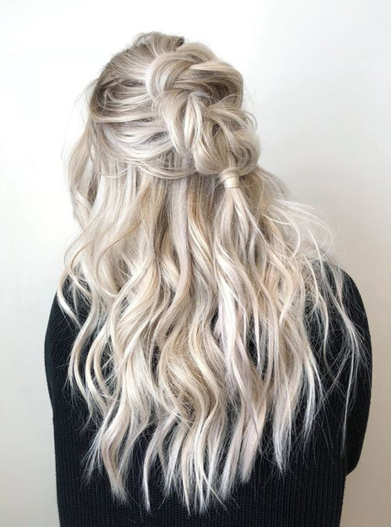 30 Beautiful Wet And Wavy Hairstyles For Long Hair
