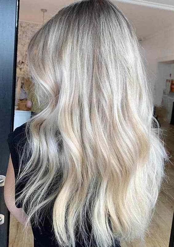 13 Fabulous Blonde Long Hairstyles And Haircuts 2020 (11)