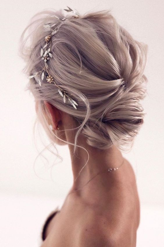 """30 Best Short Wedding Hairstyles for you in 2020 Which Can Make You Say """"Wow!"""