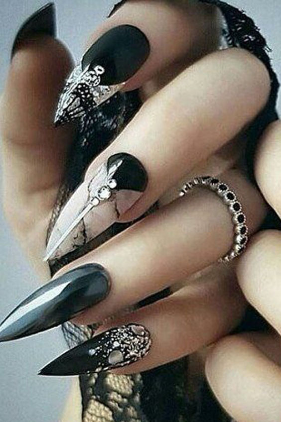 23 Perfect And Enjoyable Halloween Coffin Nails for You