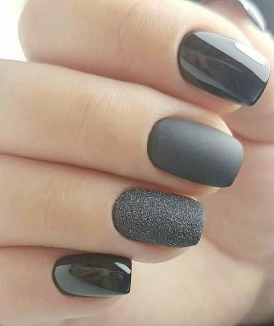 11 Stunning & Snazzy Nail Designs For NYE Stay Glam!