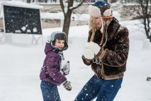 7 Helpful Tips To Improve Your Mood During Winter:Lighten Up!