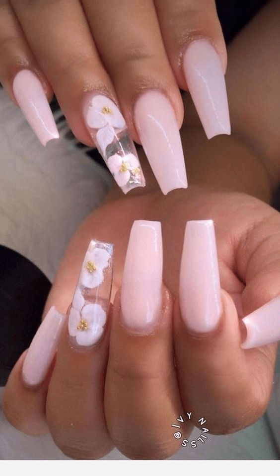 7 Lovely and Cute Valentine's Day Coffin Nails Designs (11)