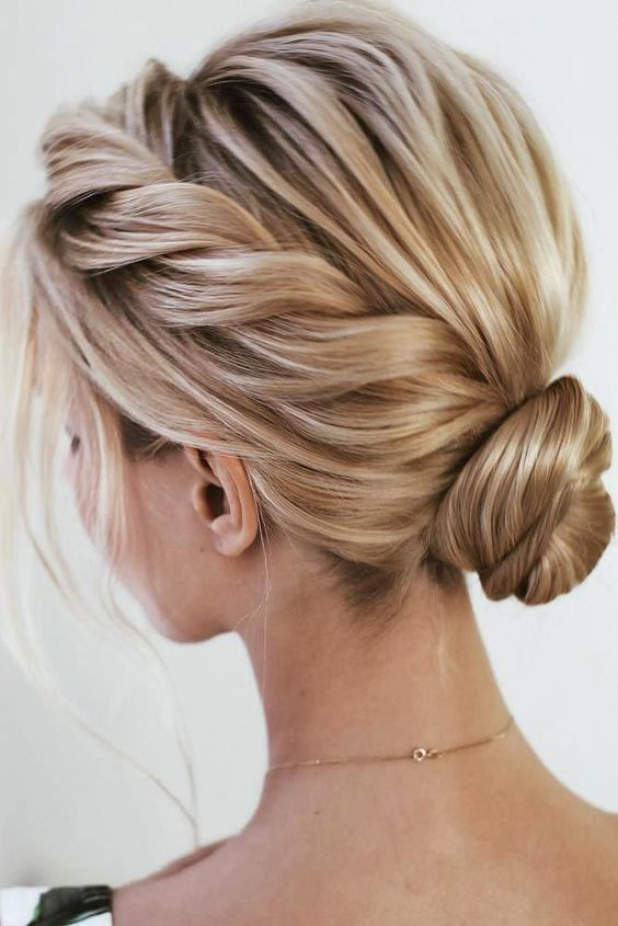 7 Stunning Prom Hairstyles for Your Longer Hair You May Look For (11)