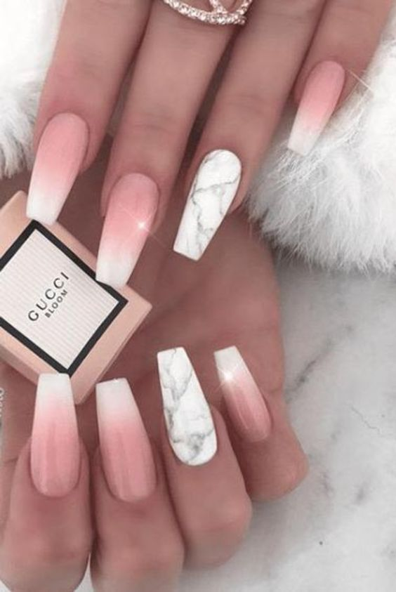 Gorgeous Valentine's Day Acrylic Designs for Your Beautiful Nails (11)
