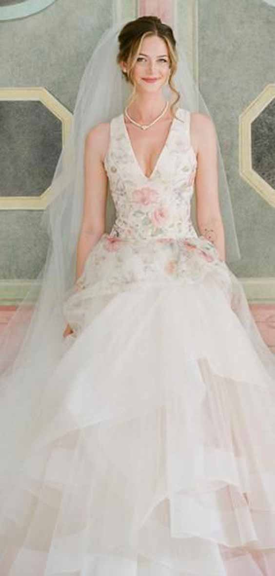 5 Most Delicate Spring Wedding Gowns for the Biggest Day of Your Life!