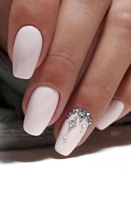 30 Vintage Wedding Nail Art For Brides For Classy Look 2021