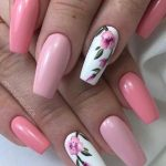 5 Gorgeous Gel Nail Designs With Flowers for 2021